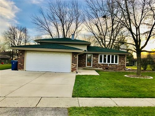 635 W Stearns, Bartlett, IL 60103