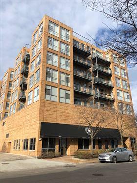1572 Maple Unit 403, Evanston, IL 60201
