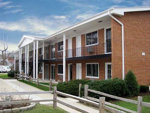 323 N Princeton Unit 2, Villa Park, IL 60181