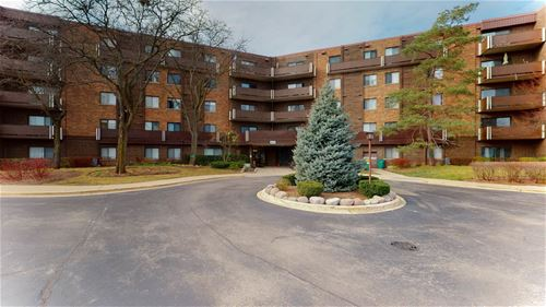 840 Wellington Unit 211, Elk Grove Village, IL 60007