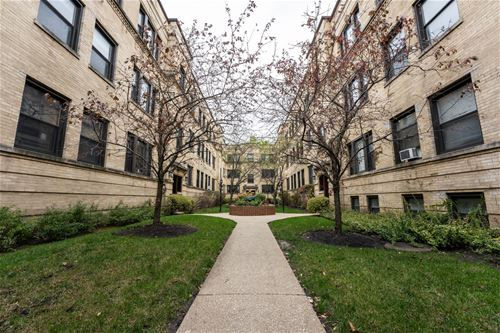 3524 N Broadway Unit 3S, Chicago, IL 60657 Lakeview