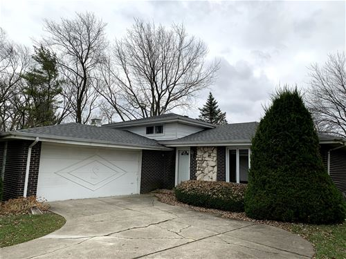 9S380 Rosehill, Downers Grove, IL 60516