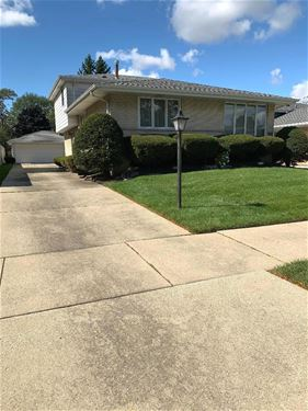 10336 S Karlov, Oak Lawn, IL 60453