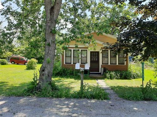 25151 W Linden, Antioch, IL 60002