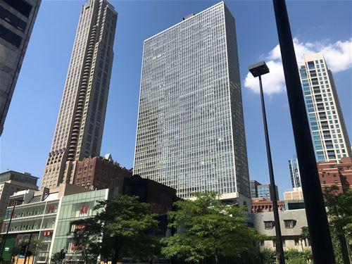 111 E Chestnut Unit 27E, Chicago, IL 60611 Gold Coast
