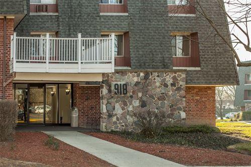 918 Ridge Unit 109, Elk Grove Village, IL 60007