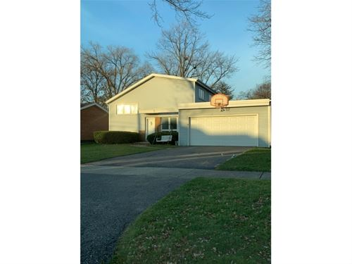 132 N Richard, Elmhurst, IL 60126