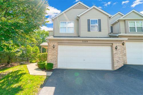 3209 Foxridge, Woodridge, IL 60517