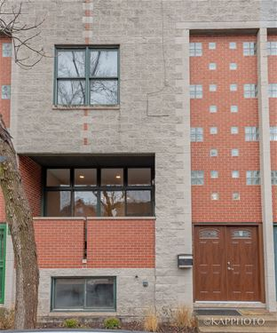957 N Honore, Chicago, IL 60622 East Village