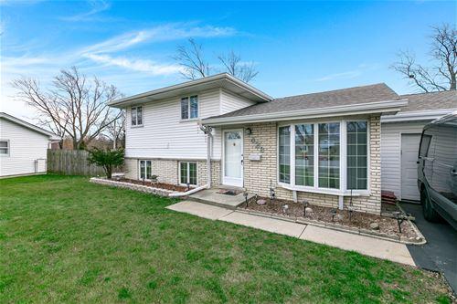 428 Lake Park, Addison, IL 60101