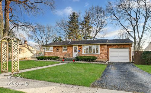 427 W James, Cary, IL 60013