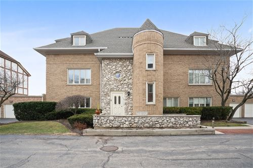 630 Ballantrae Unit C, Northbrook, IL 60062