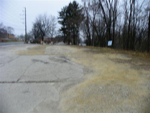 585 N State, Elgin, IL 60123