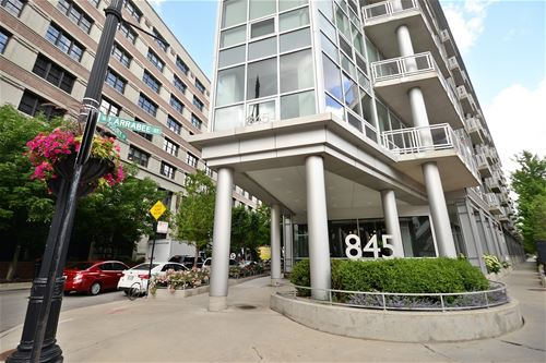 845 N Kingsbury Unit 606, Chicago, IL 60610