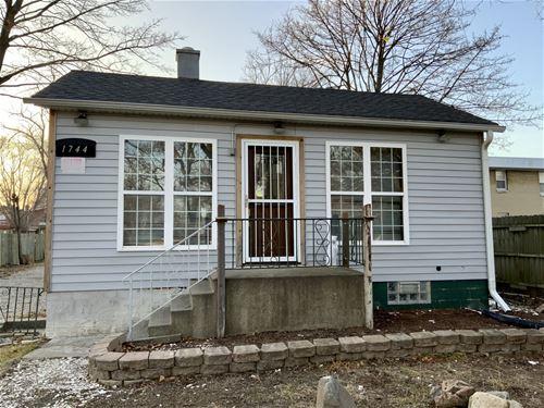 1744 North, Waukegan, IL 60085