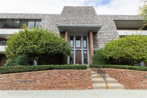 200 Red Top Unit 202, Libertyville, IL 60048