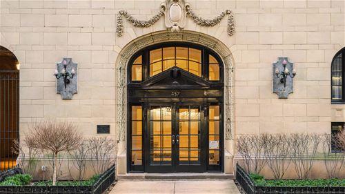 257 E Delaware Unit 10AB, Chicago, IL 60611 Streeterville