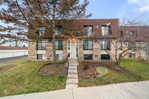 180 S Waters Edge Unit 301, Glendale Heights, IL 60139