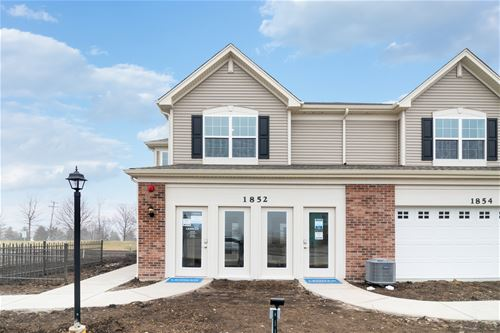 1348 Hawk Hollow, Yorkville, IL 60560