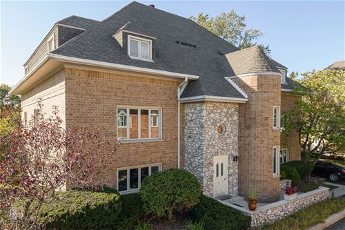 610 Ballantrae Unit C, Northbrook, IL 60062