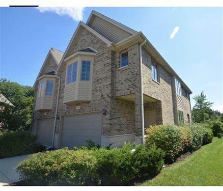 1521 Stonegate Manor, Mount Prospect, IL 60056