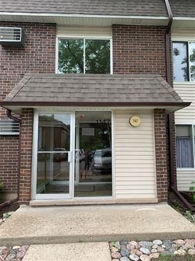1147 Miller Unit 203, Buffalo Grove, IL 60089