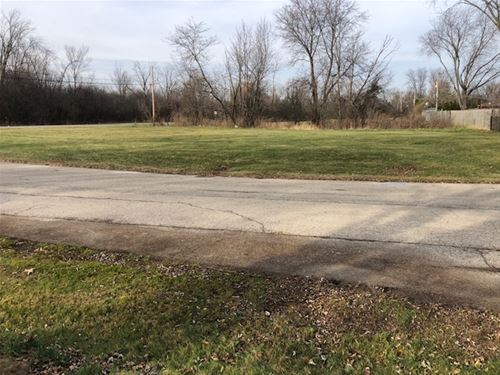 Lot #1 8th, Waukegan, IL 60085