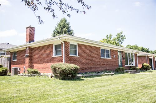 600 White Oak, Roselle, IL 60172