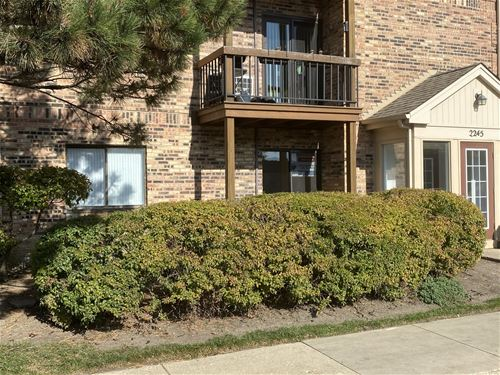 2245 Nichols Unit 30A, Arlington Heights, IL 60004