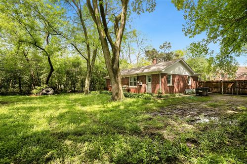 425 40th, Downers Grove, IL 60515