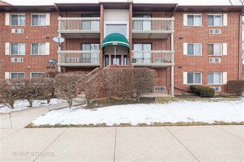 880 N Lakeside Unit 1C, Vernon Hills, IL 60061