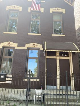 1046 N Wood Unit 2R, Chicago, IL 60622 East Village