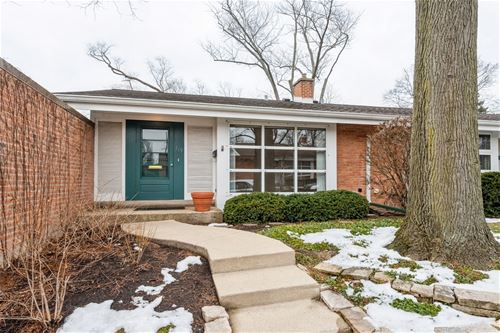 719 Carriage Hill, Glenview, IL 60025