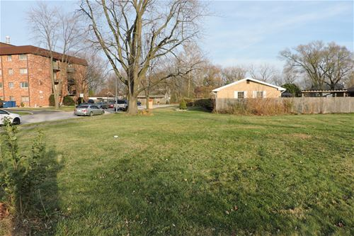7121 W 93rd, Oak Lawn, IL 60453