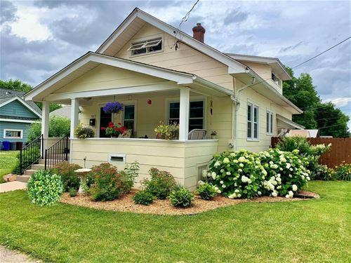 517 Cottage Grove, Rockford, IL 61103
