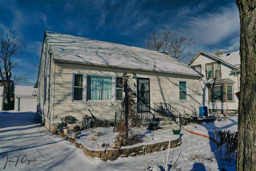 264 S Weston, Elgin, IL 60123