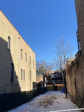 2107 N Cleveland, Chicago, IL 60614 Lincoln Park