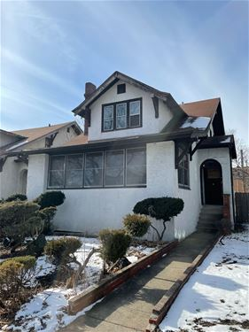 4552 N Lawndale, Chicago, IL 60625 Albany Park