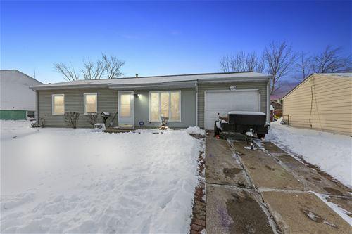 108 Mayfield, Streamwood, IL 60107