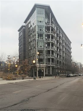 845 N Kingsbury Unit 713, Chicago, IL 60610 Goose Island