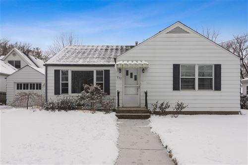 233 W Russell, Barrington, IL 60010
