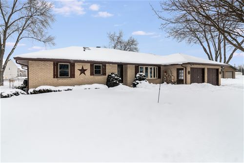 18 Lakeview, Yorkville, IL 60560