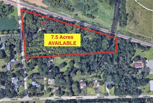 7S851 Barnes, Aurora, IL 60506
