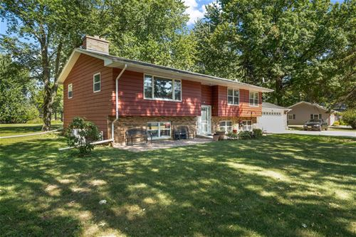 92 Parkway, Yorkville, IL 60560