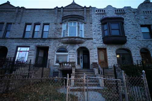 4418 S Berkeley, Chicago, IL 60653 Kenwood