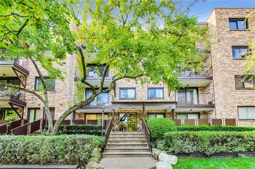 100 S Vail Unit 106, Arlington Heights, IL 60005