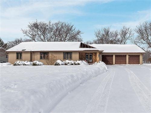 2803 Greenwood Acres, Dekalb, IL 60115
