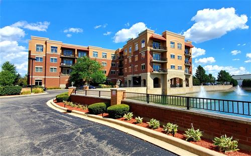 1200 N Foxdale Unit 305, Addison, IL 60101