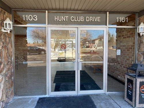 1103 S Hunt Club Unit 321, Mount Prospect, IL 60056