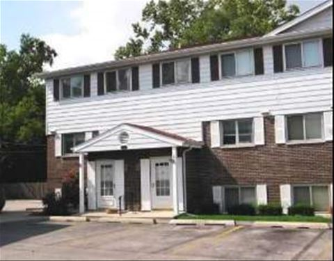 551 W Park Unit 1, Libertyville, IL 60048